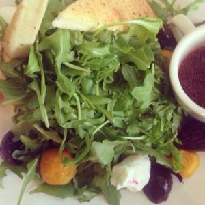 Roasted beet salad with