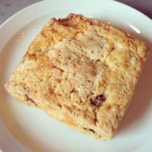 Vanilla fig scone